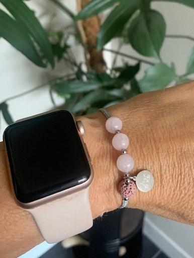 Rozenkwarts armband met lavasteen